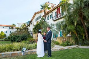 Couple eloping at the Santa Barbara Courthouse.